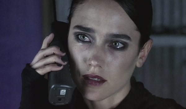 Téléphone 003